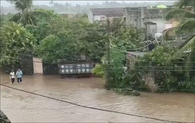 સાંજે છ વાગ્યા સુધીમાં રાજ્યમાં 245 તાલુકામાં મેઘમહેર :સુત્રપાડામાં સૌથી વધુ 7 ઇંચ વરસાદ ખાબક્યો  : દાંતા અને મોરબીમાં  છ ઇંચ
