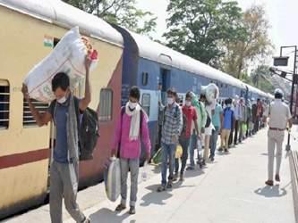 અમદાવાદ રેલવે સ્ટેશને ટ્રેનમાં મુસાફરોના ટેસ્ટિંગમાં વધુ 31 કોરોના પોઝિટિવ મળ્યા