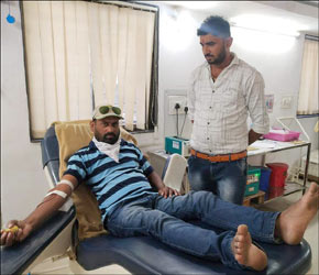 નર્મદા જિલ્લાના નાની સીંગલોટીની મહીલાને ડિલિવરી સમયે લોહી આપી જીવન બચાવ્યું