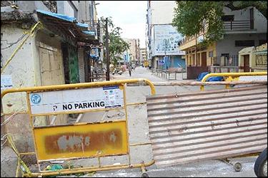 અમદાવાદમાં કોરોનાનો આતંક : એક જ દિવસમાં 42 માઇક્રો કન્ટેન્મેન્ટ ઝોન જાહેર કરાતા ખળભળાટ