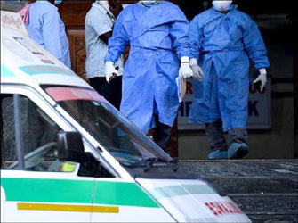 સાહેબ ખાવાનું નહિ પણ, અમને કોરોનાના કીટાણુંથી બચવા PPE કીટ આપો : સબ વાહીની ચાલકની માંગ